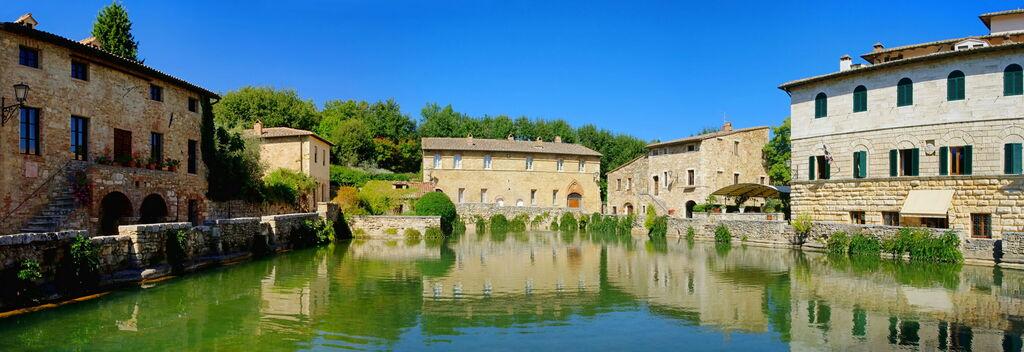 Bagno vignoni spa tuscany villas travel tips - Spa bagno vignoni ...