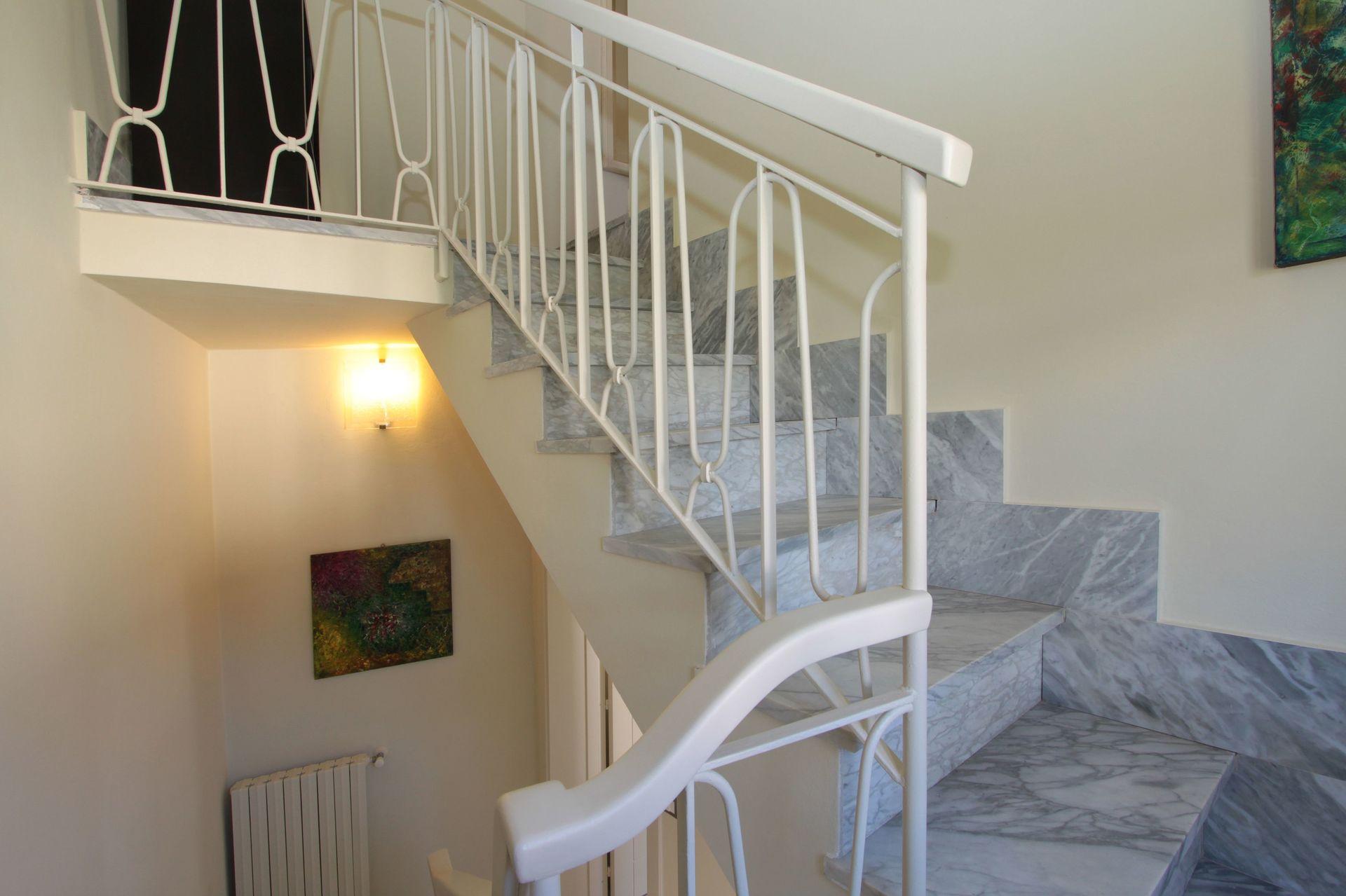 Villa della diva casa vacanze con 10 posti letto in 5 for Villa con 5 camere da letto