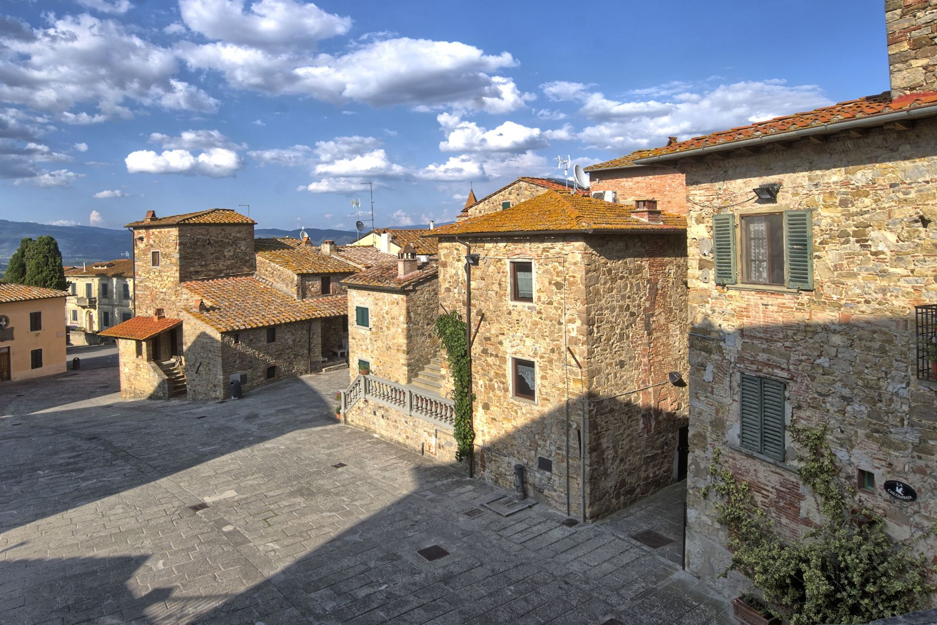 Pergine Valdarno Villa Vacation Rental Il Pigionale 4 1 That Sleeps Light Fence With Ldr