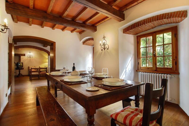 Villa acacia casa vacanze con 12 posti letto in 5 camere for Villa con 5 camere da letto