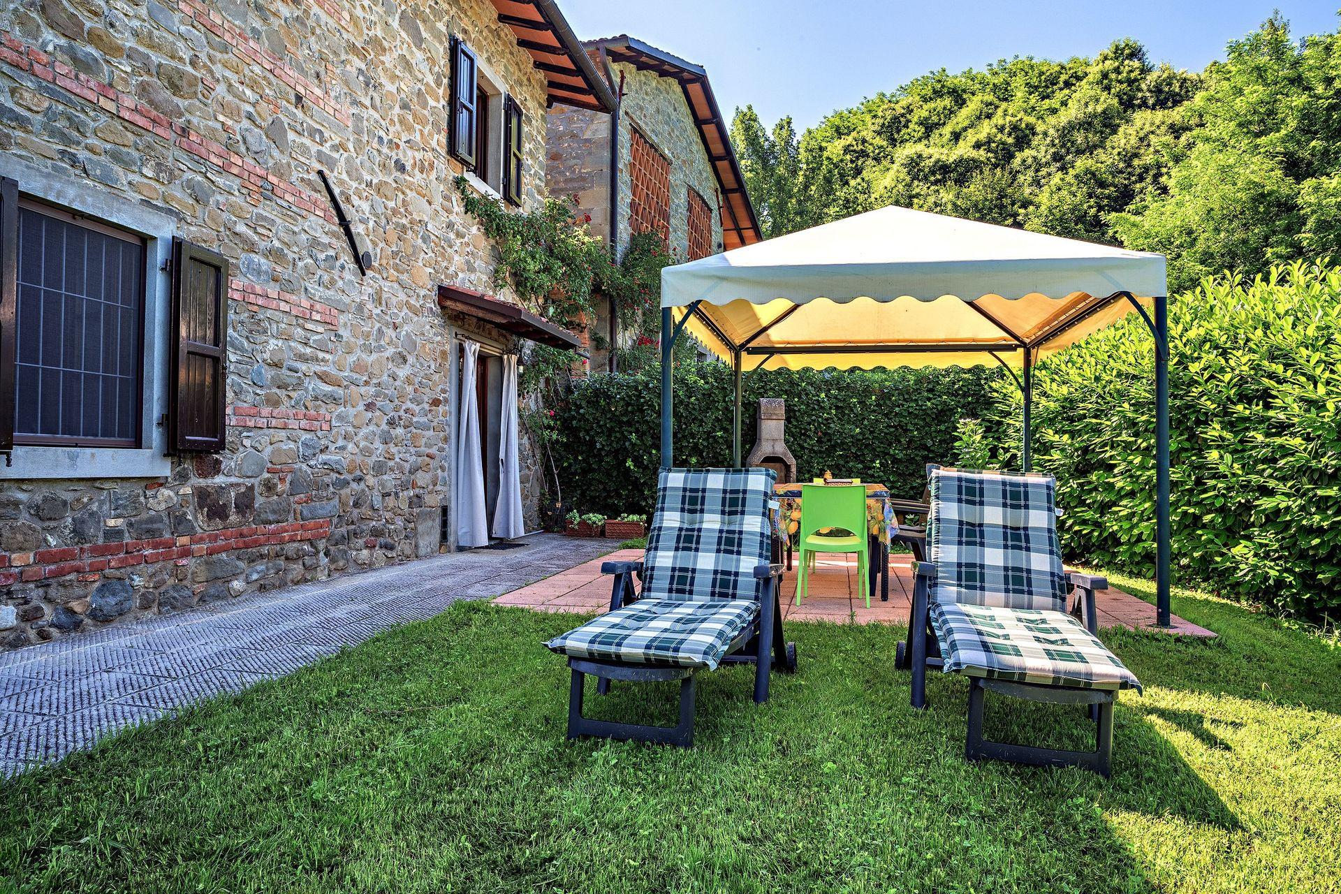 Il palazzetto casa vacanze con 6 posti letto in 3 camere for Casa di sei stanze