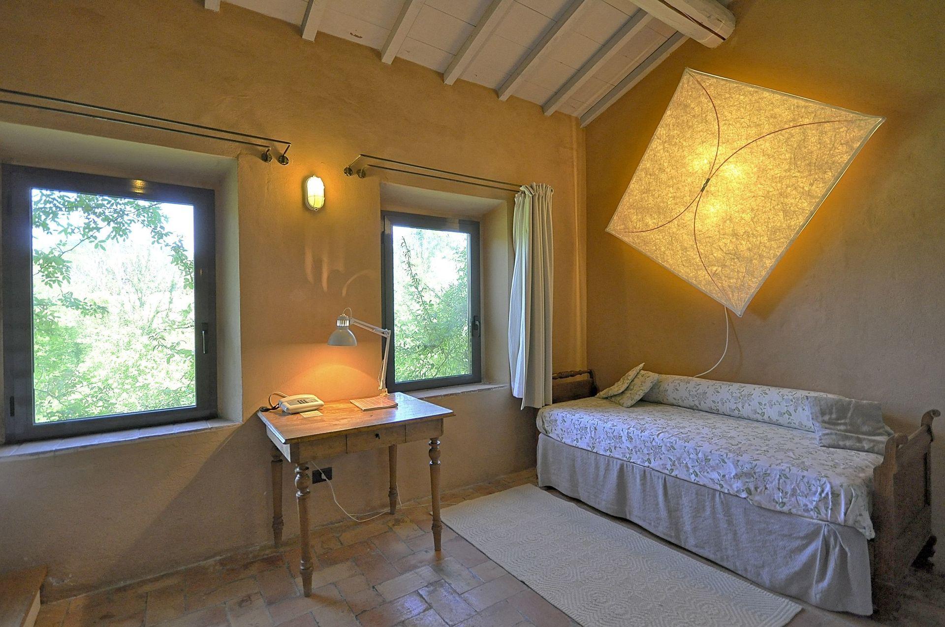 Villa oca casa vacanze con 14 posti letto in 7 camere for Branson cabin rentals 4 camere da letto