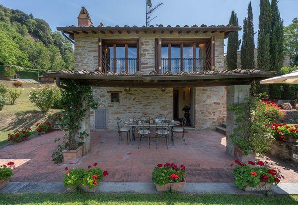 Luxury Villas In Santa Maria A Vezzano Luxury Vacation