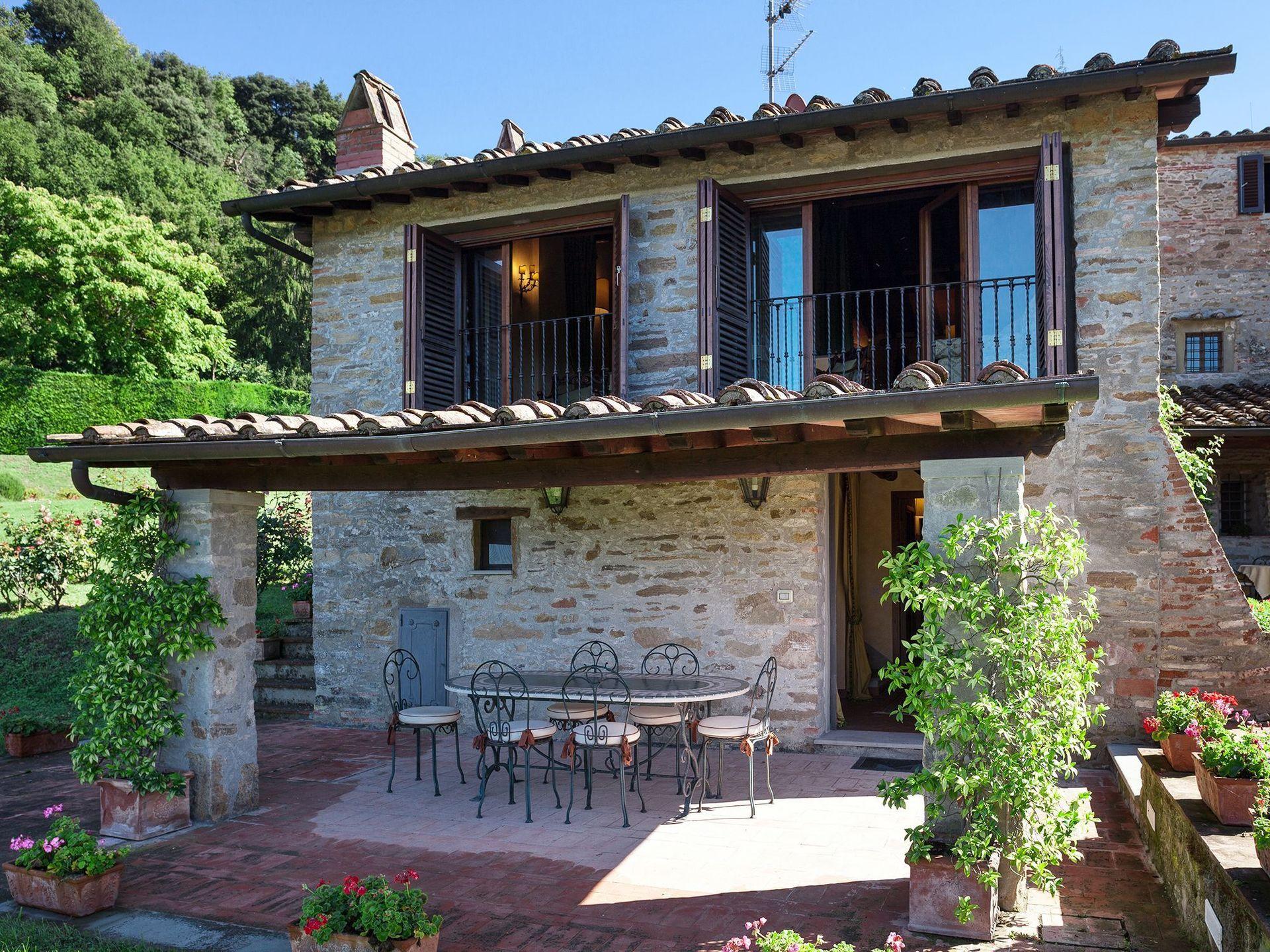 Vicchio villa vacation rental la terrazza dei frati that sleeps 10 people in 4 bedrooms located - Villa la terrazza ...