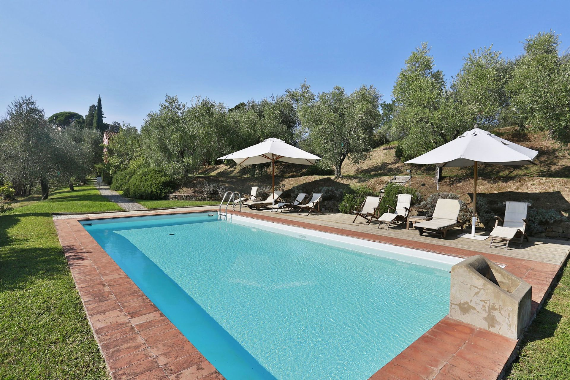 Lucca Villa Vacation Rental Il Vignale That Sleeps 6