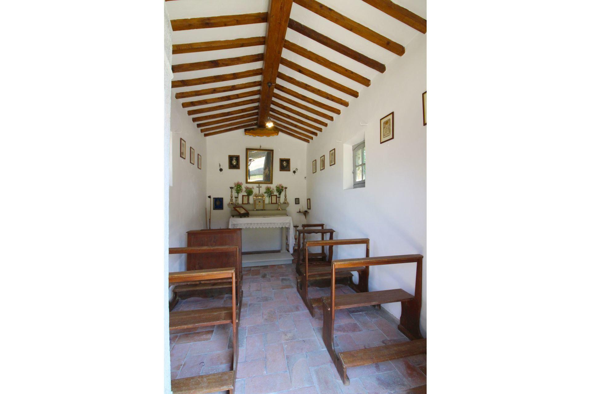 8 Bedroom Vacation Rentals: Arezzo Villa Vacation Rental Villa Gherardo That Sleeps 16