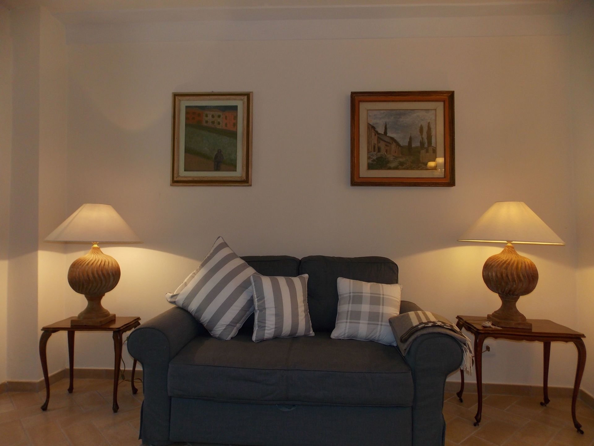 La casetta casa vacanze con 6 posti letto in 3 camere for Piani casa 6 camere da letto