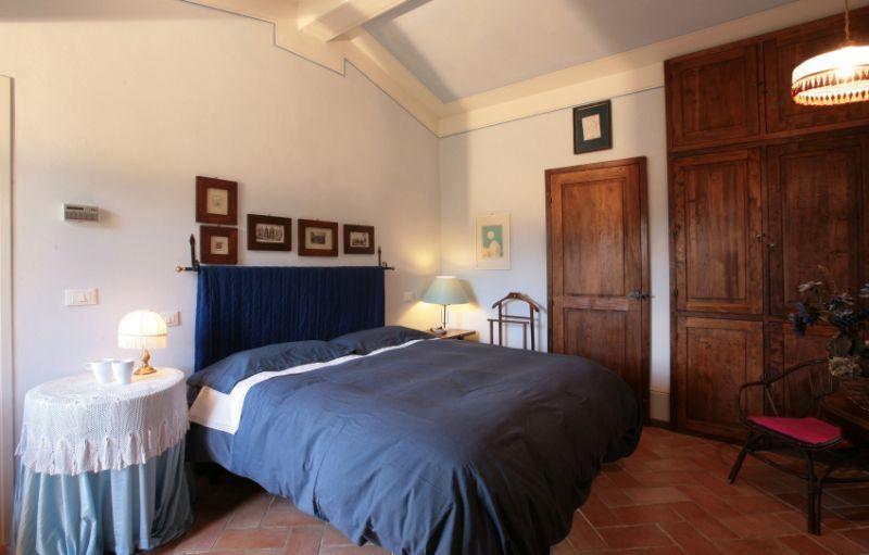 Pomo posti letto 4 in 2 camere casa vacanza a asciano for Branson cabin rentals 4 camere da letto