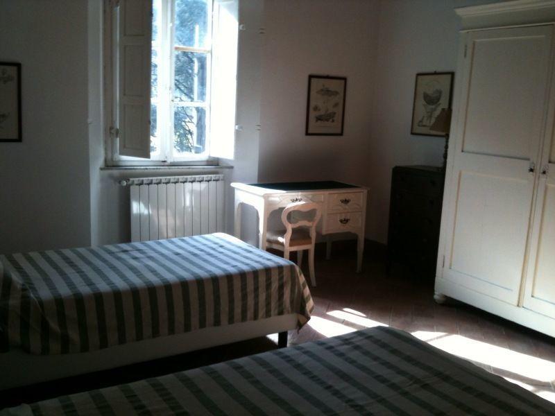 Teresa house posti letto 5 in 3 camere casa vacanza a for 3 camere da letto 2 bagni piani piano aperto