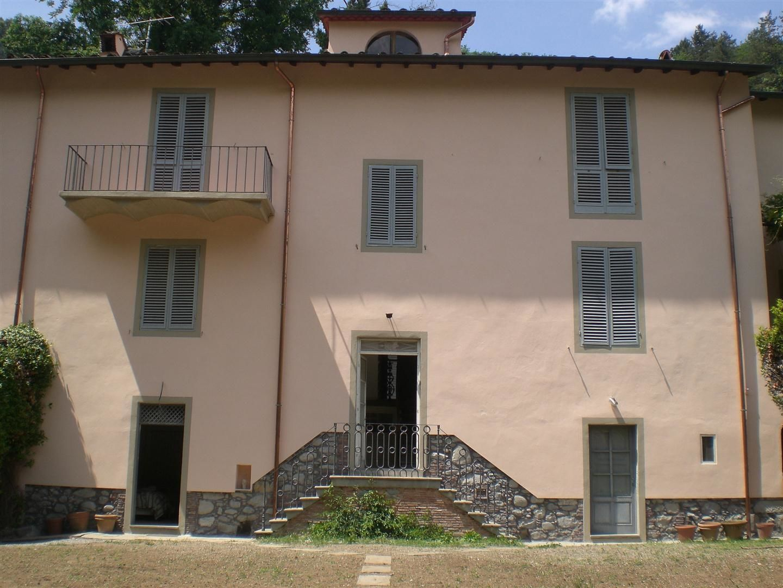 Byron house posti letto 6 in 3 camere casa vacanza a for 3 piani casa 3 bagni