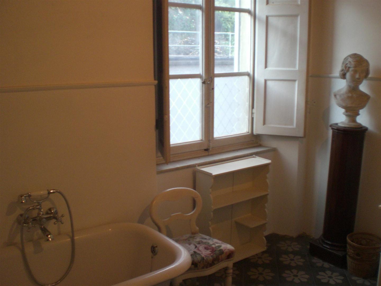 Byron house posti letto 6 in 3 camere casa vacanza a for 3 piani di casa bagno 1 camera da letto