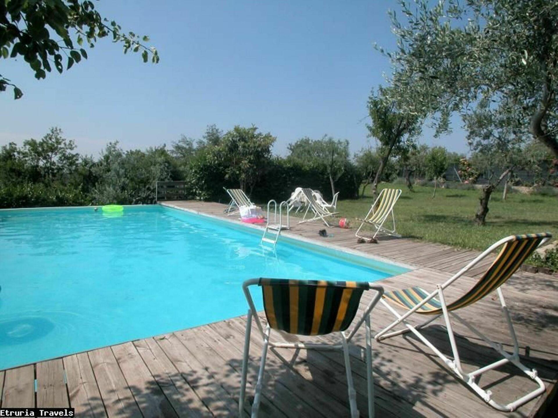 Villa caruso casa vacanze con 27 posti letto in 12 - Piscine firenze e dintorni ...