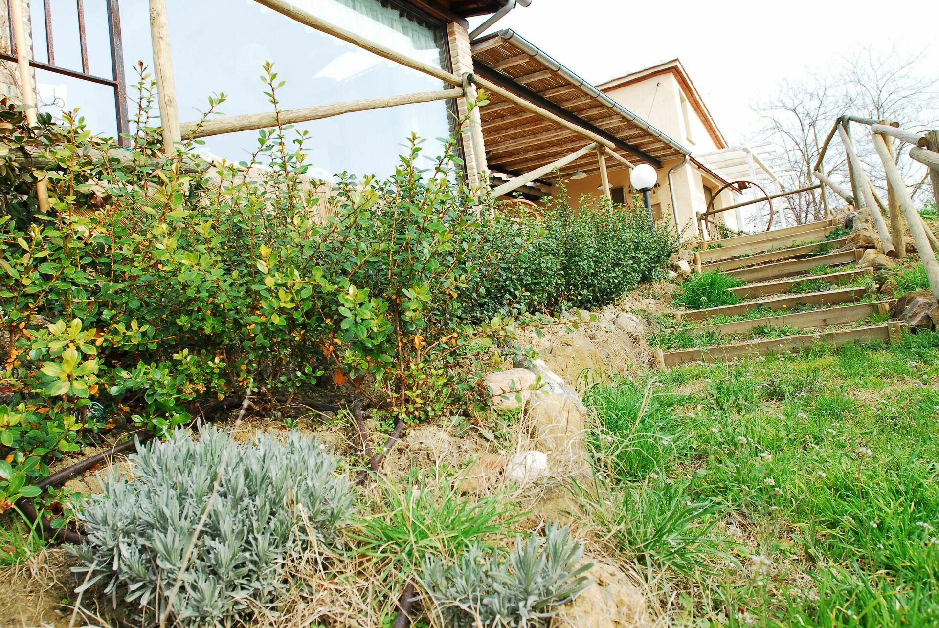 Villa giuggiolaia casa vacanze con 8 posti letto in 4 for Branson cabin rentals 4 camere da letto