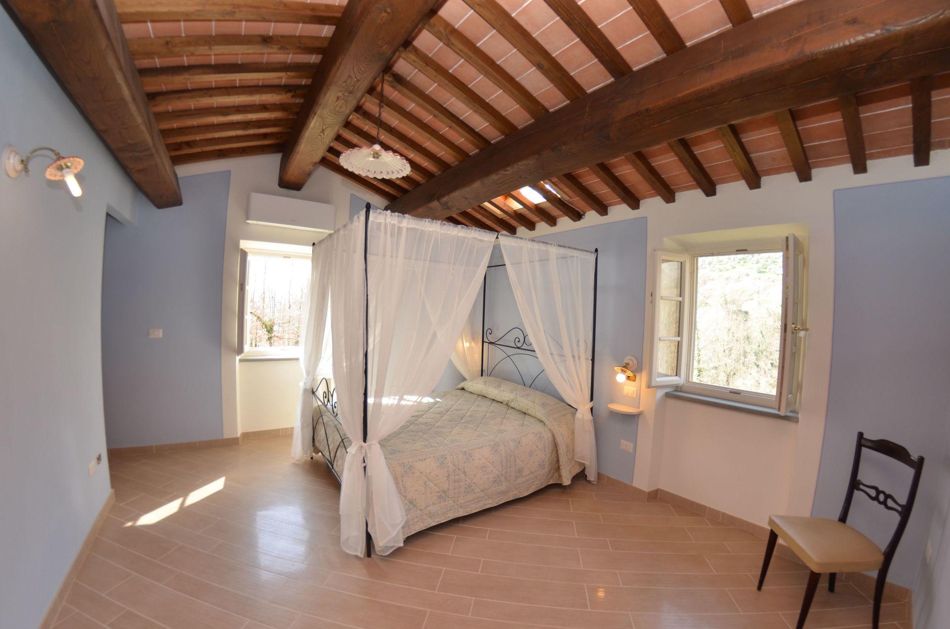 Anfora casa vacanze con 6 posti letto in 2 camere for Anfora giardino