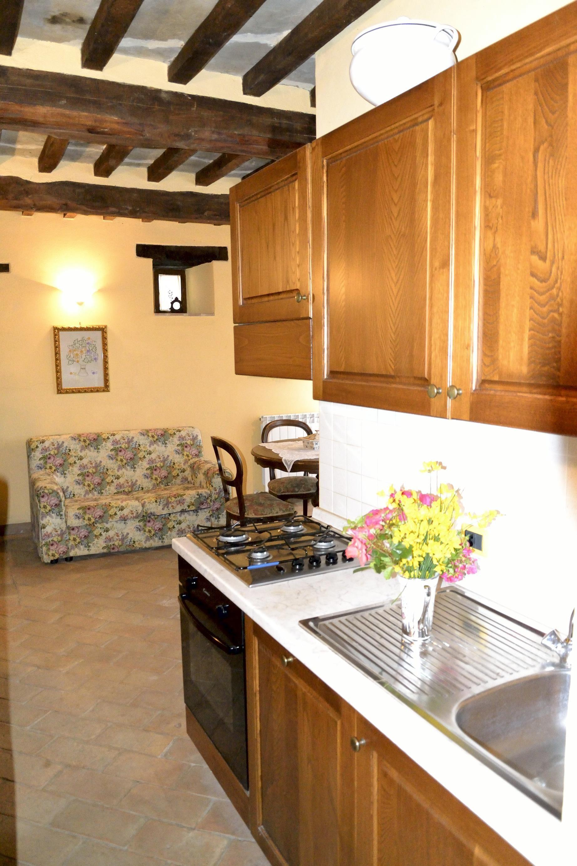 Villa il roseto casa vacanze con 10 posti letto in 5 for Villa con 5 camere da letto