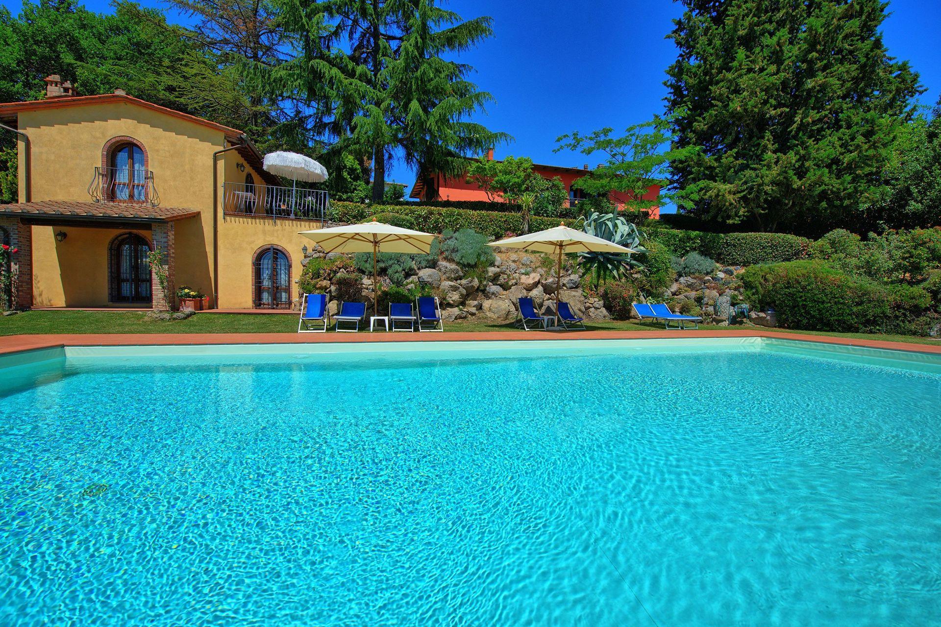 Casa rossa 3 posti letto 4 in 1 camere casa vacanza a for Branson cabin rentals 4 camere da letto