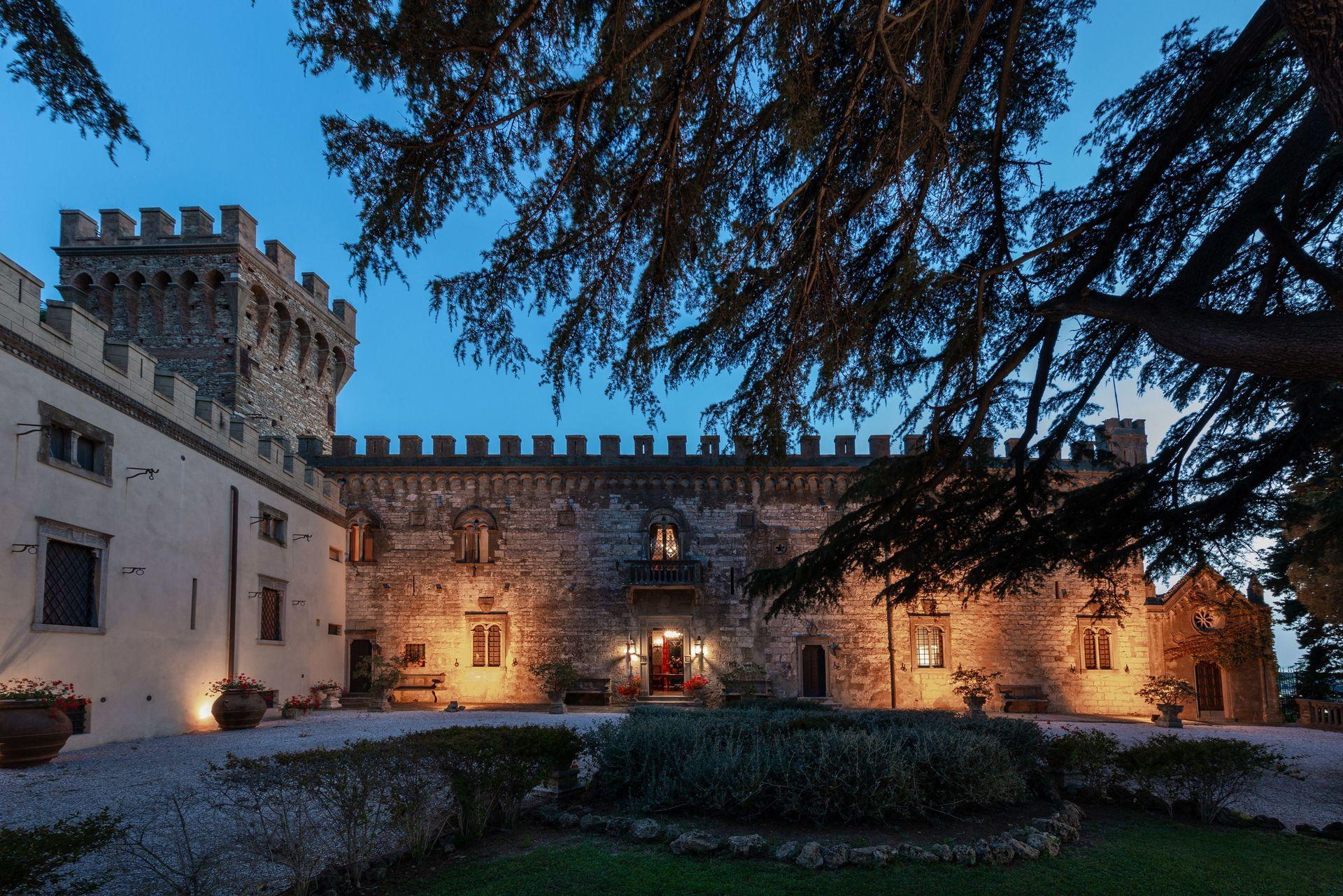 Letto A Castello Toscana.Castello Leopoldo Casa Vacanze Con 20 Posti Letto In 10 Camere