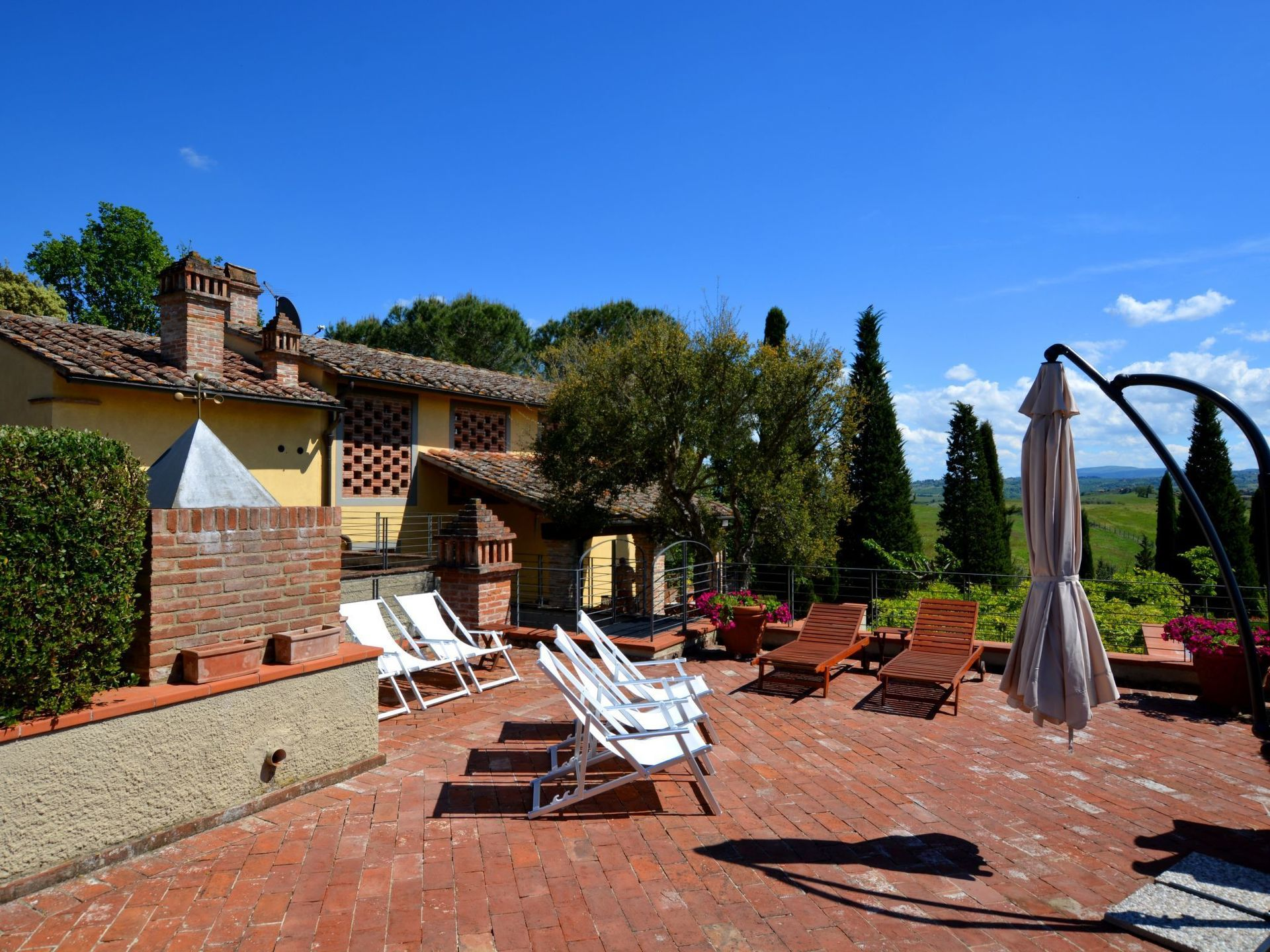 Beauty At Home Castelfiorentino tassinaia: villa that sleeps 10 people in 4 bedrooms, located