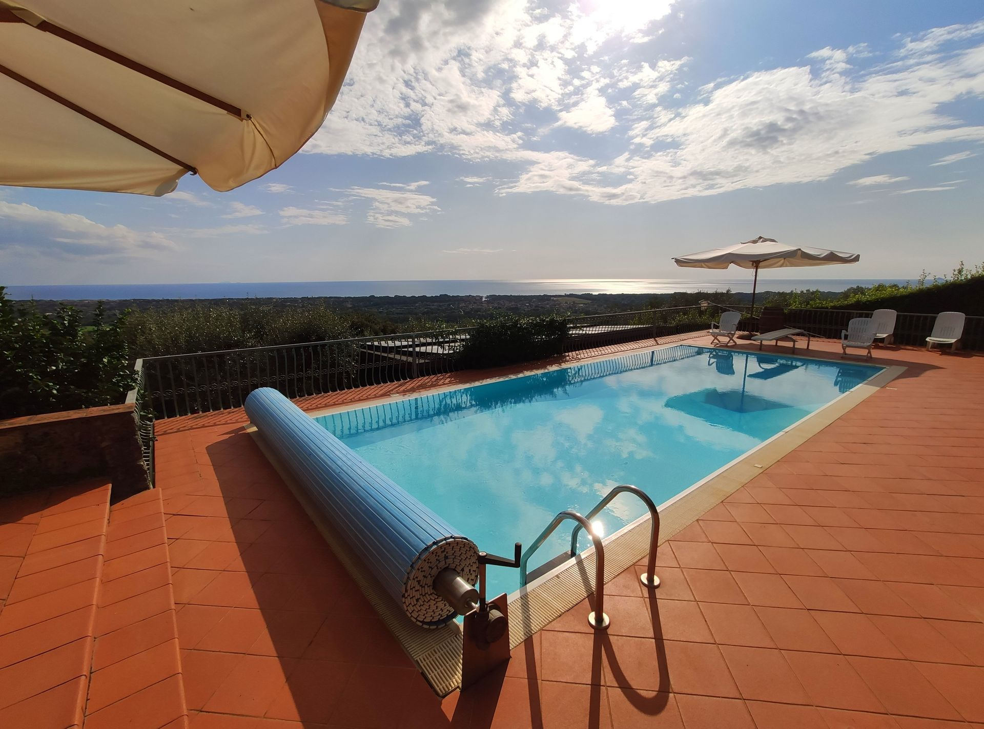Italian Case Forte Dei Marmi terrazza sul mare: villa that sleeps 8 people in 4 bedrooms