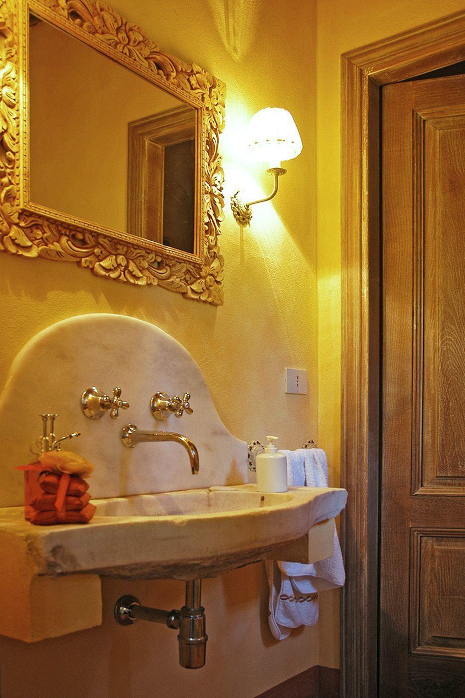 Al valentino casa vacanze con 10 posti letto in 5 camere for 5 camere da letto 5 bagni