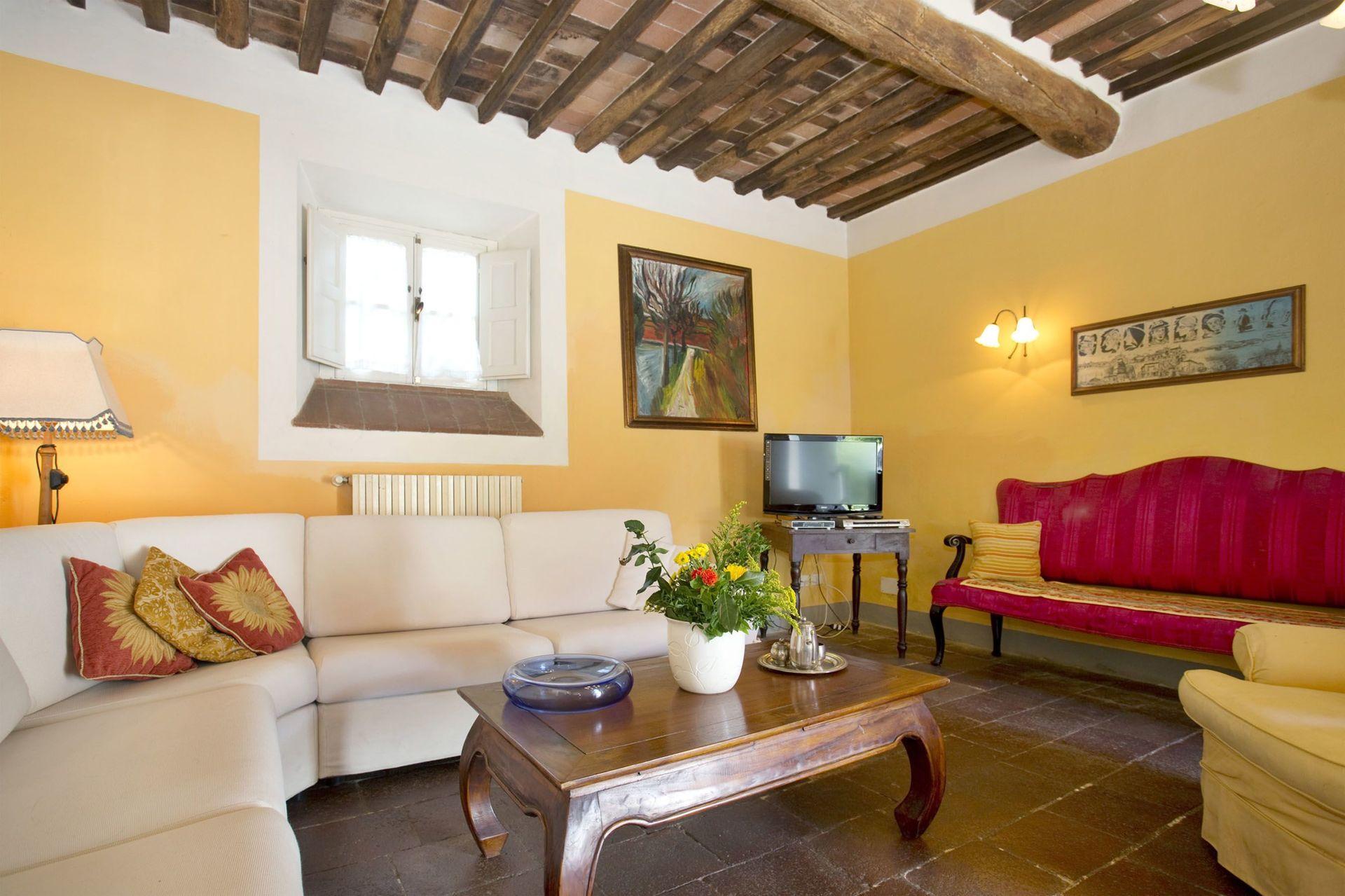 Lucca Villa Vacation Rental Casa Rosa that sleeps 12 people in 6 ...