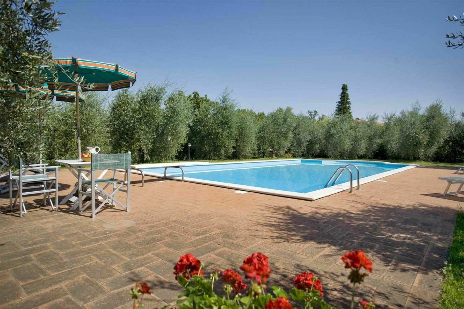 La fonte casa vacanze con 8 posti letto in 4 camere for Branson cabin rentals 4 camere da letto