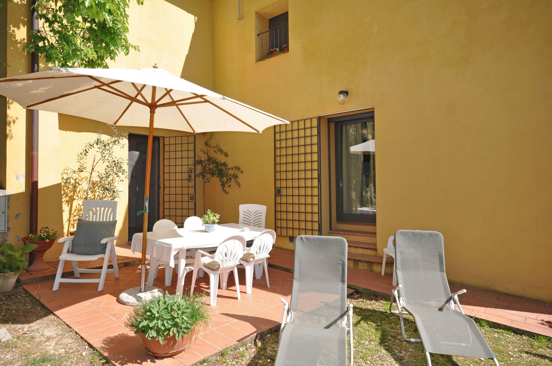 Casa benedetta casa vacanze con 8 posti letto in 4 for Piani di casa del fienile con 4 camere da letto
