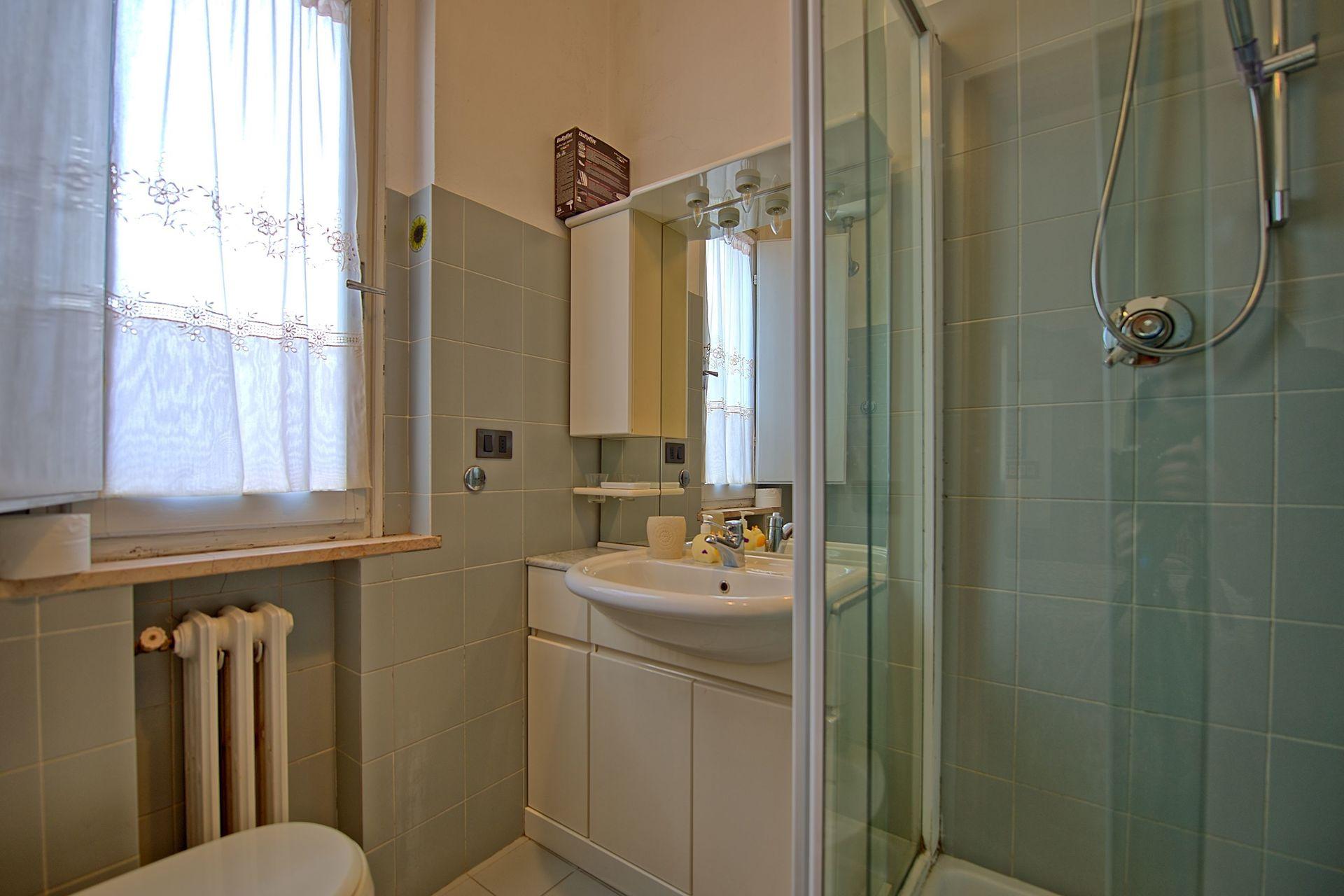 Trecento 1 posti letto 4 in 2 camere casa vacanza a for 5 camere da letto 4 bagni