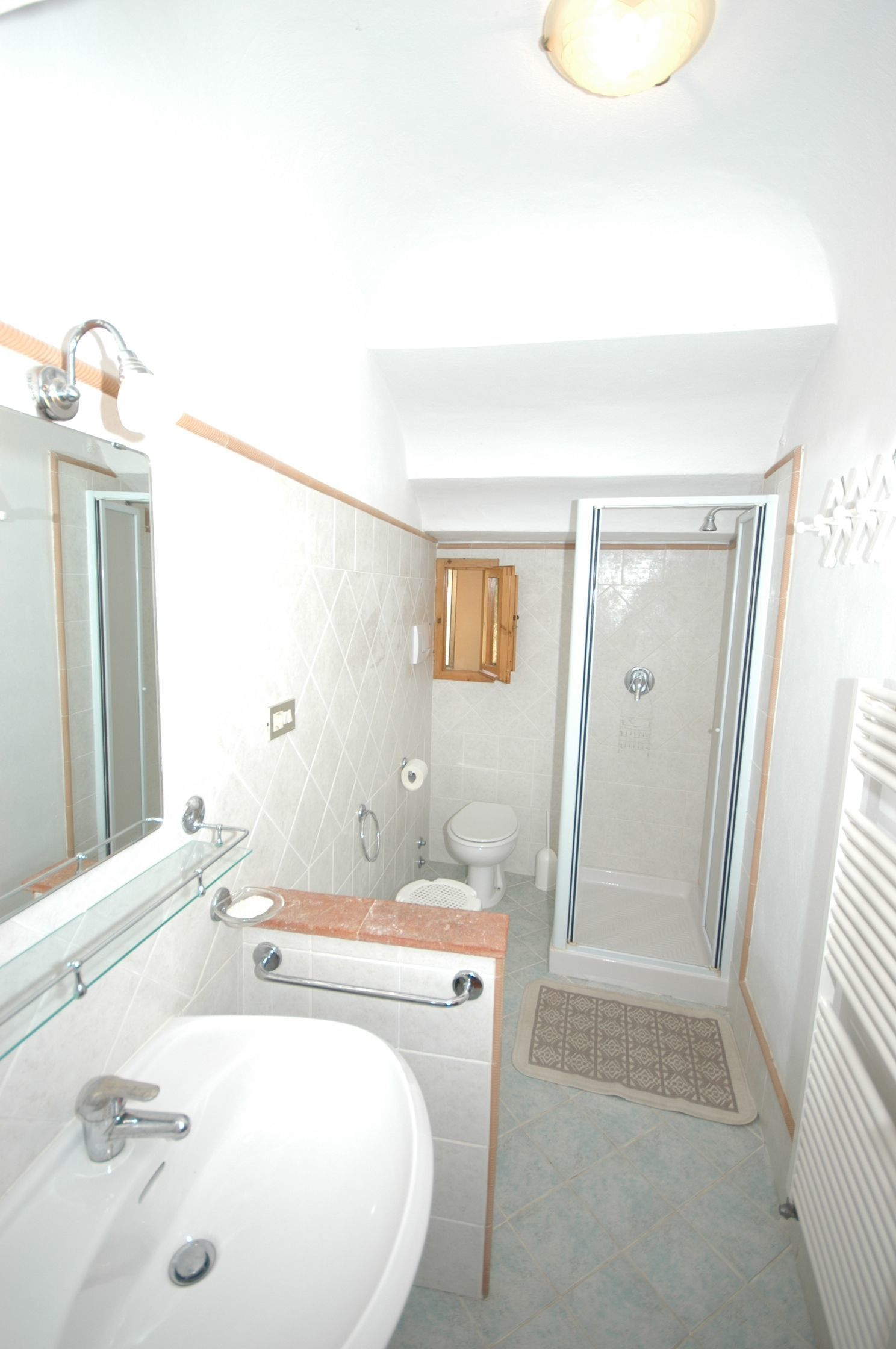 Immagini vasche vasca muse builtin jacuzzi with immagini - Vasche da bagno roma ...
