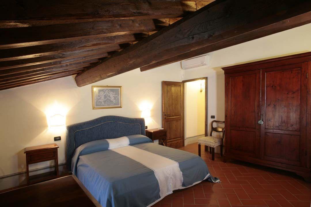 Viola posti letto 5 in 1 camere casa vacanza a la for 5 camere da letto 5 bagni