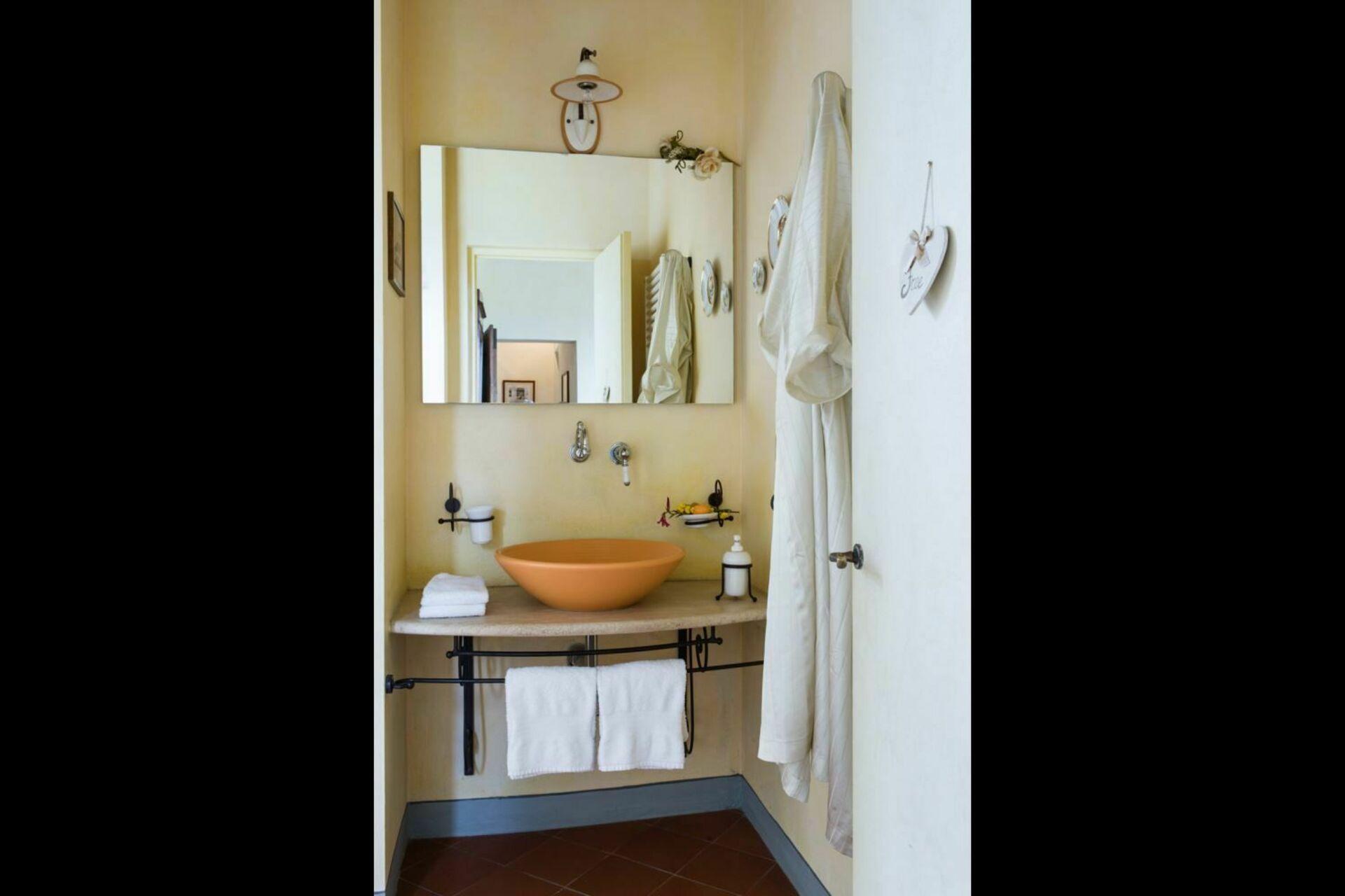 Terrasole posti letto 6 in 2 camere casa vacanza a for Branson cabin rentals 4 camere da letto