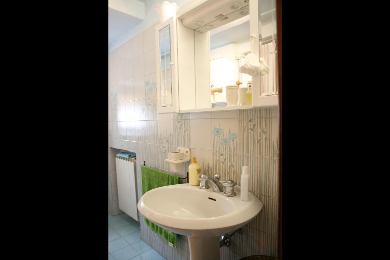 La rogaia casa vacanze con 9 posti letto in 4 camere for Branson cabin rentals 4 camere da letto