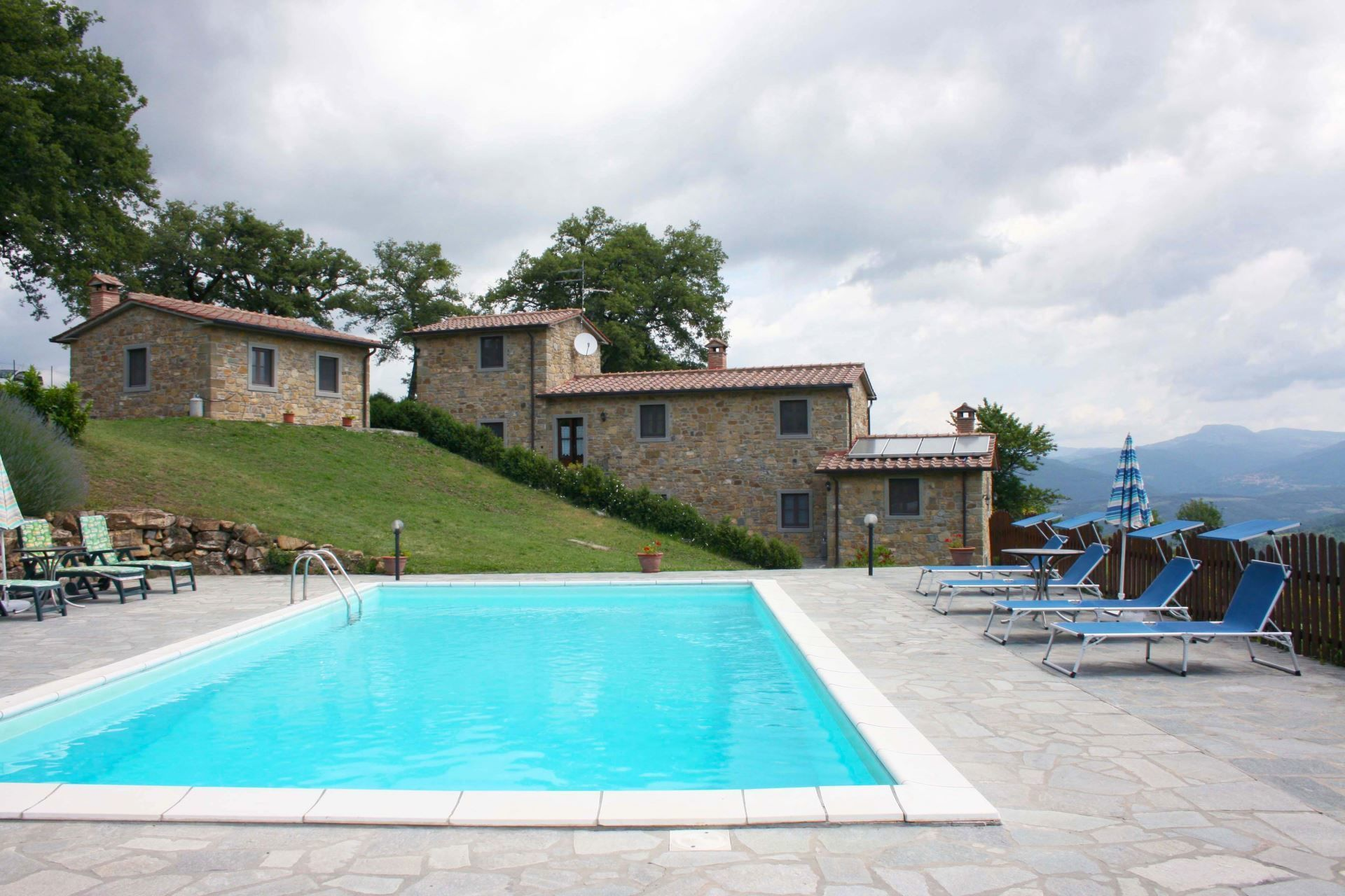 Agriturismo Il Basso Villa That Sleeps 8 People In 3