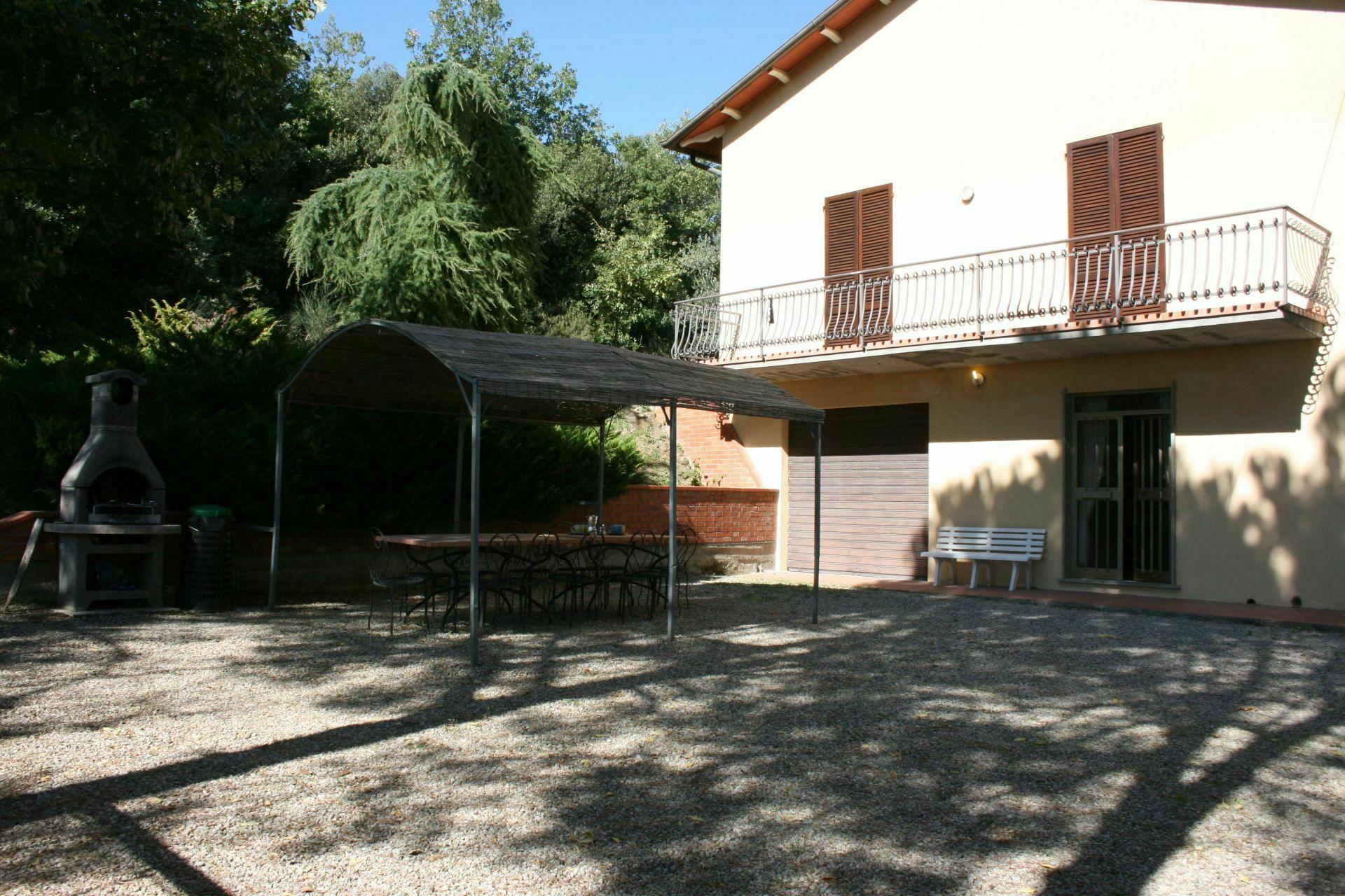 La maesta casa vacanze con 12 posti letto in 4 camere for Branson cabin rentals 4 camere da letto