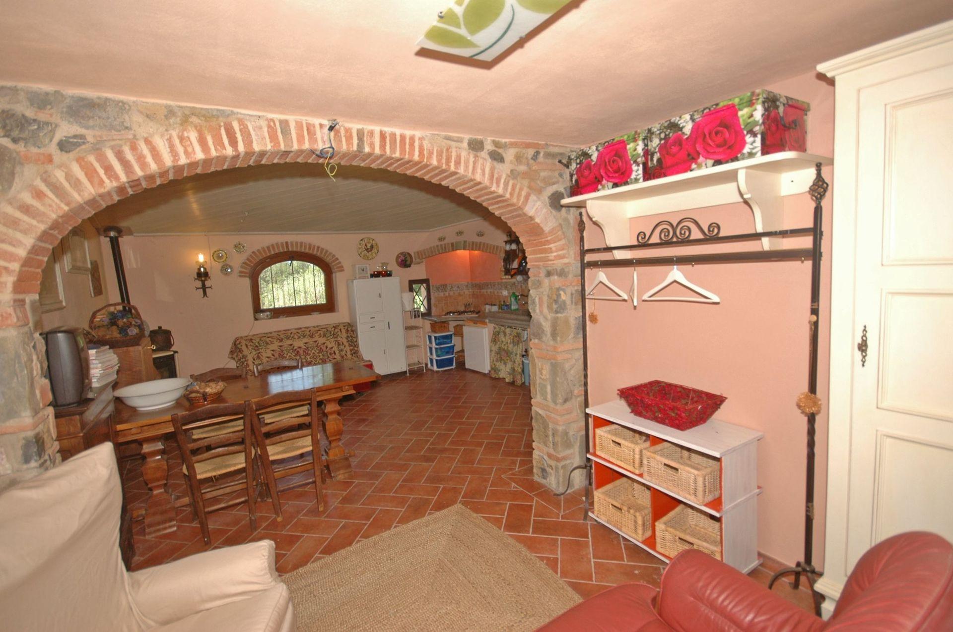 Laterina Villa Vacation Rental Casa Marco that sleeps 4 people in 1 ...