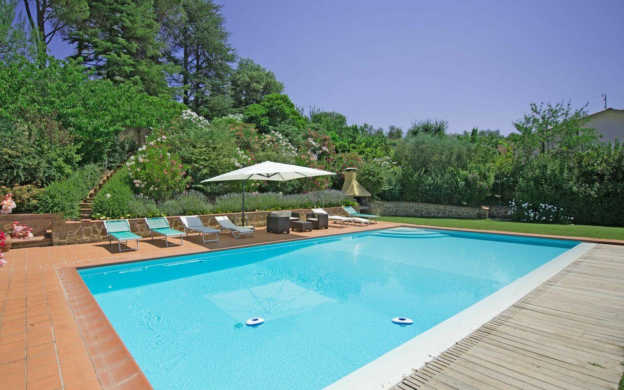 Tavarnelle Val Di Pesa Villa Vacation Rental Casa Lucia that sleeps ...