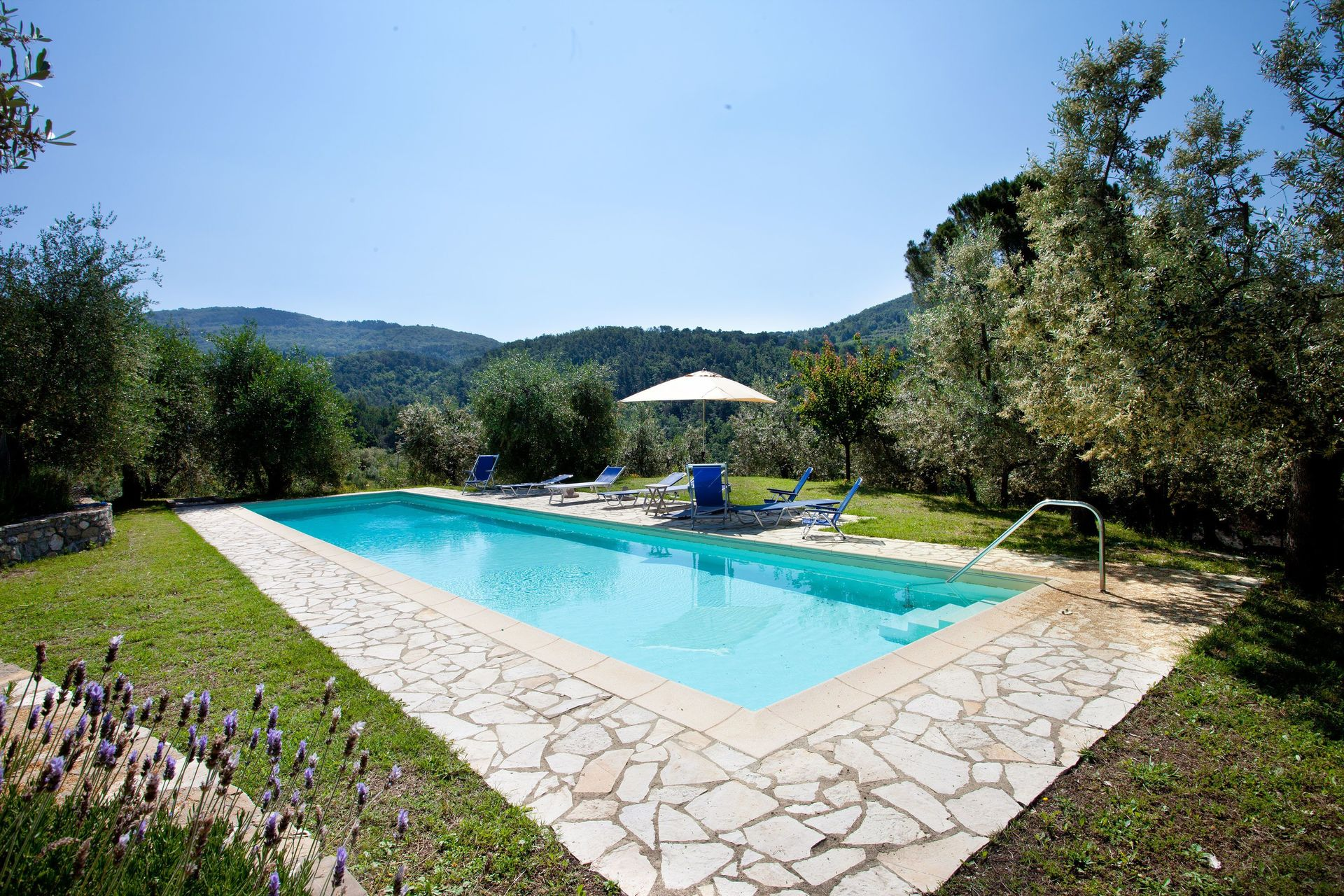 Bagno a ripoli villa vacation rental villa terrazza that sleeps 18 people in 8 bedrooms located - Bagno a ripoli italia ...