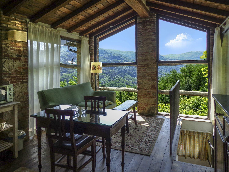 Casa di vetro posti letto 2 in 1 camere casa vacanza a for Case con vetrate