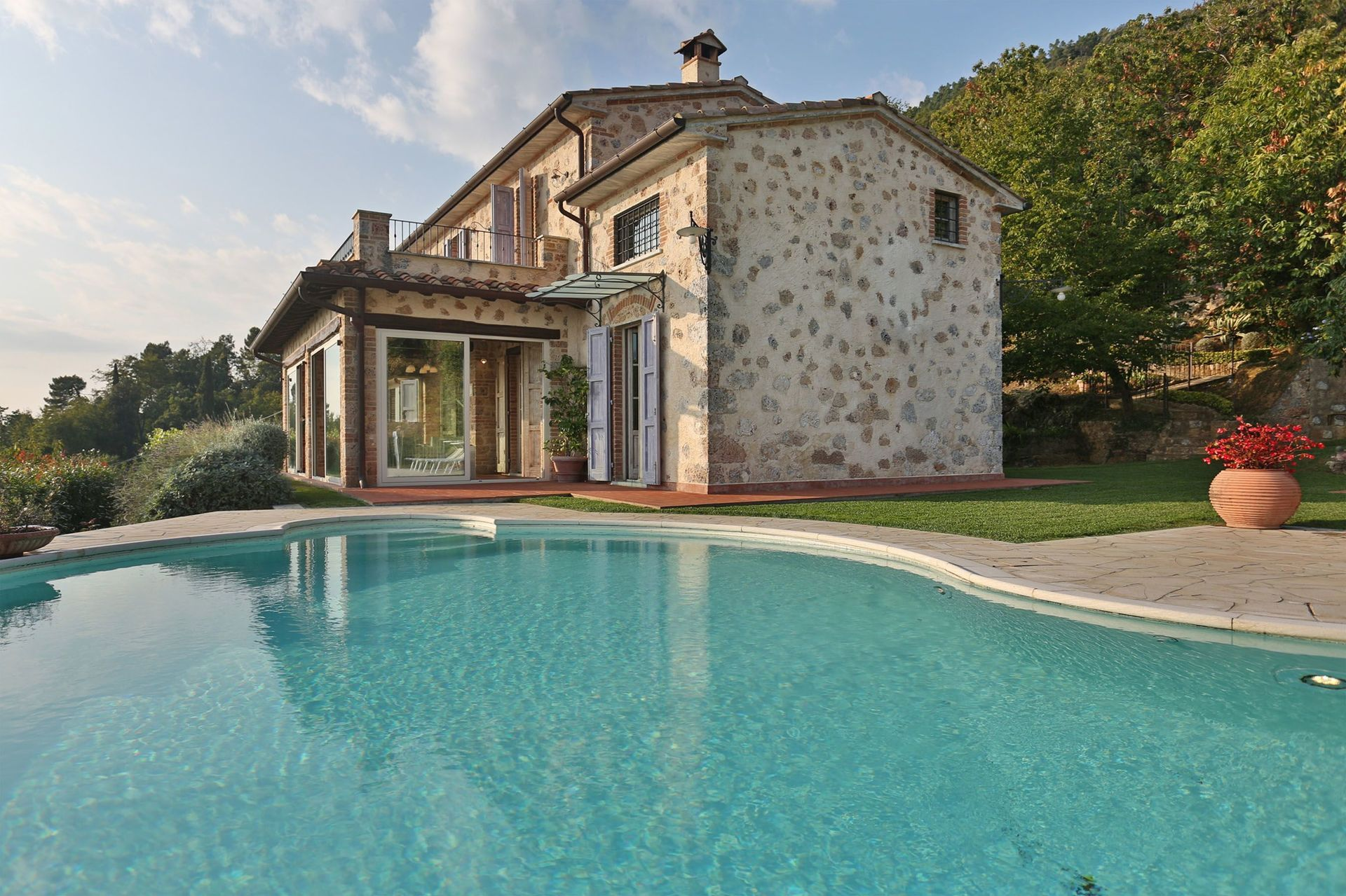 Italian Case Forte Dei Marmi la gigia: villa that sleeps 8 people in 4 bedrooms, located in