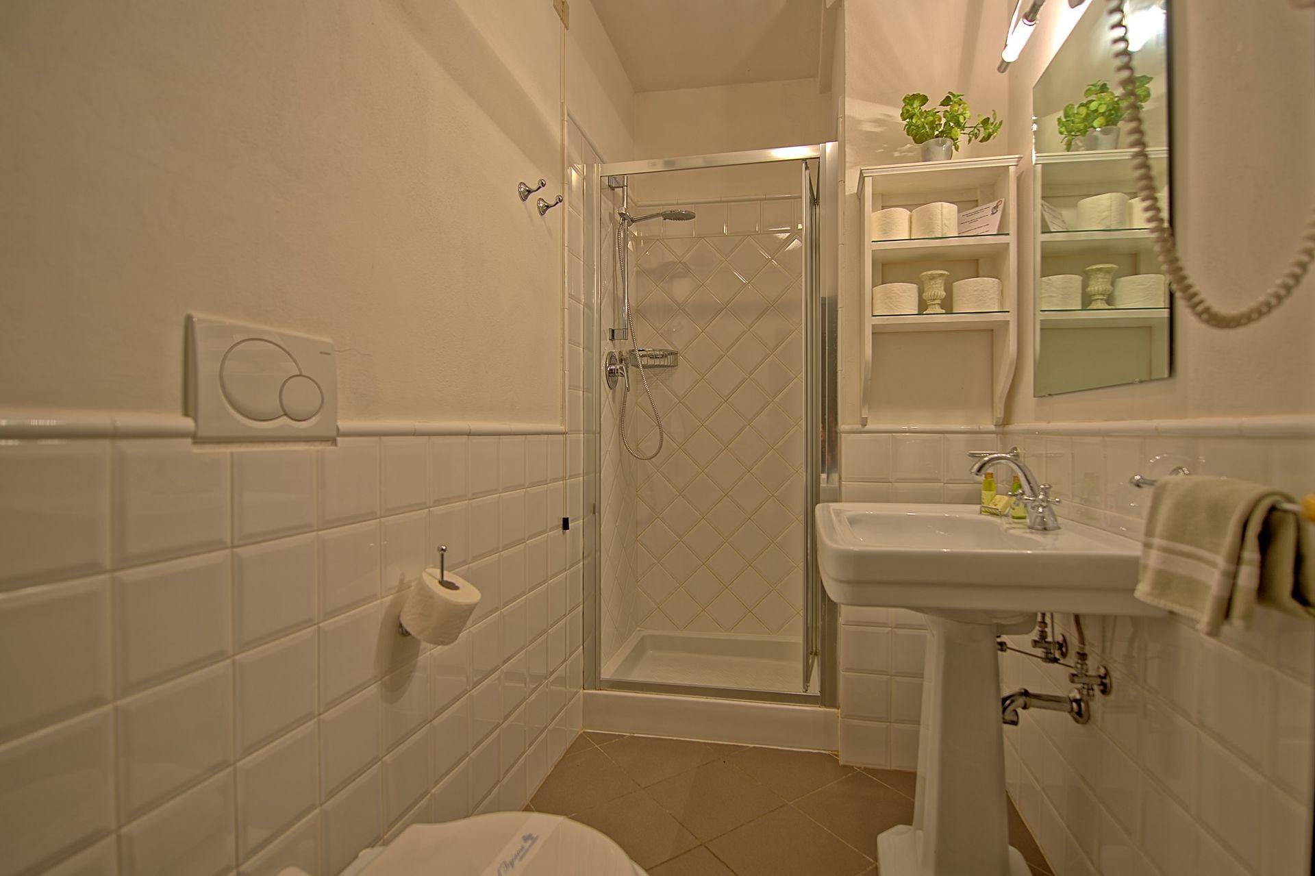 Collina 4 posti letto 6 in 3 camere casa vacanza a san for 6 camere da letto 5 bagni