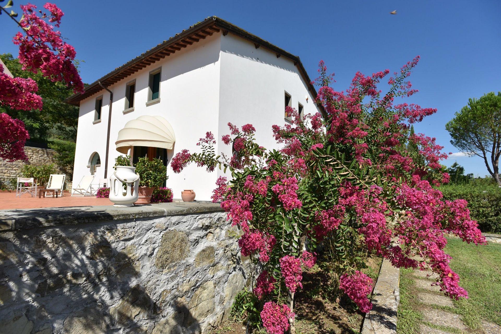 Villa cinzia casa vacanze con 9 posti letto in 4 camere grassina