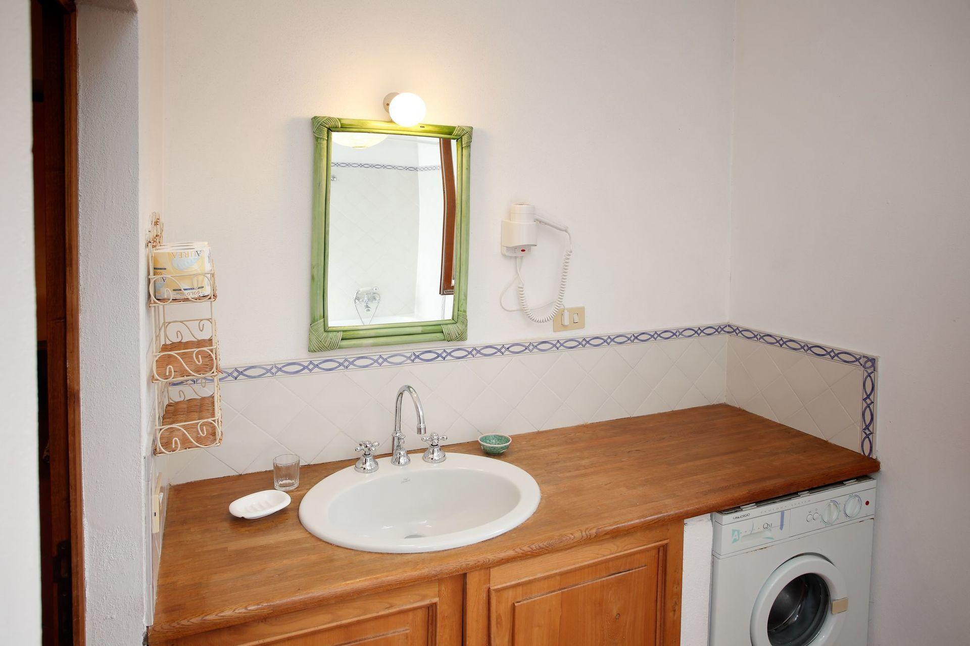 Granaio posti letto 6 in 4 camere casa vacanza a badia for Branson cabin rentals 4 camere da letto
