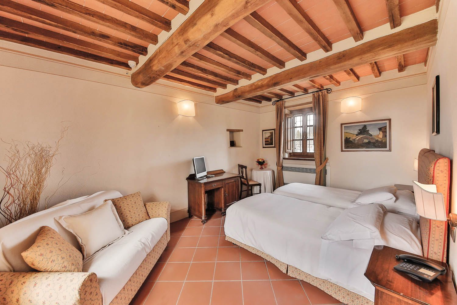 sleeps 22 in 9 bedrooms pietraviva vacation rental tuscany italy