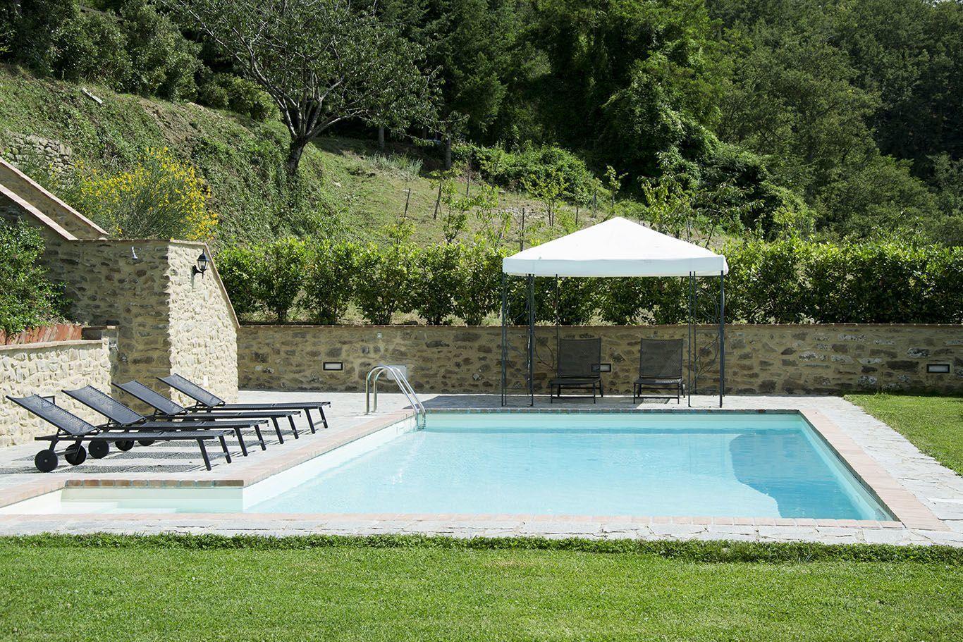 Bagnolo casa vacanze con 6 posti letto in 3 camere cortona toscana italia - Piscina bagnolo ...
