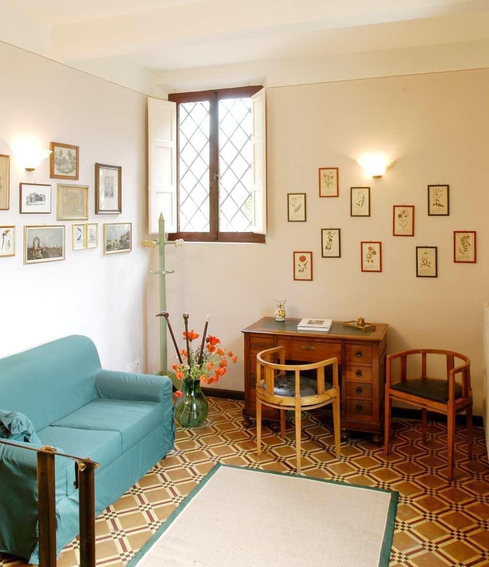 Villa argento casa vacanze con 10 posti letto in 5 for Casa 5 camere da letto con cantina