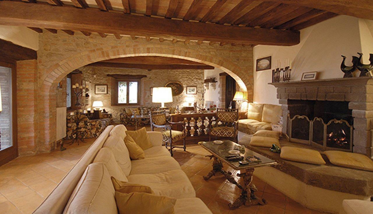 Quanta è la villa a Todi in rubli