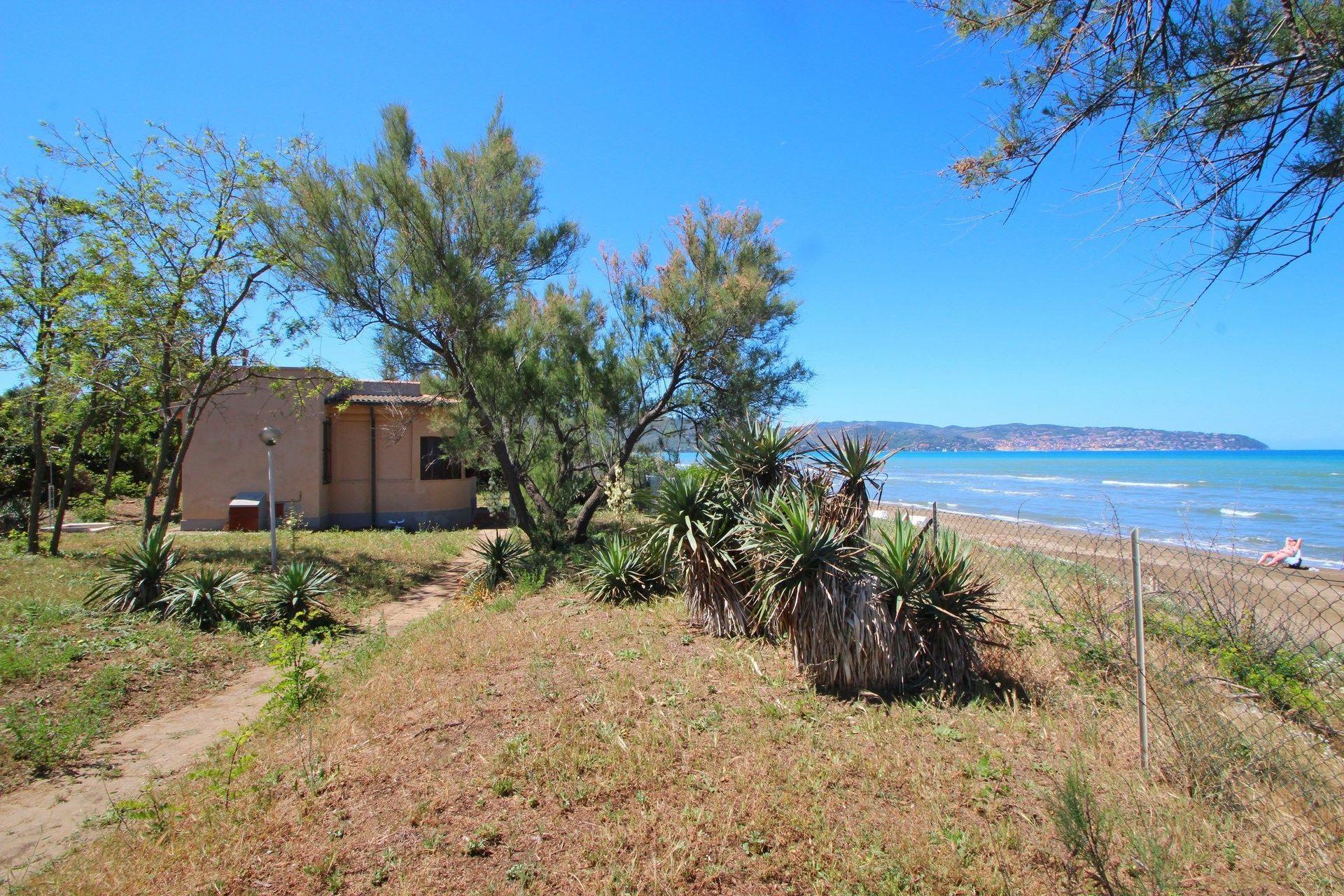 Villino sul mare casa vacanze con 4 posti letto in 2 for Vacanze a barcellona sul mare