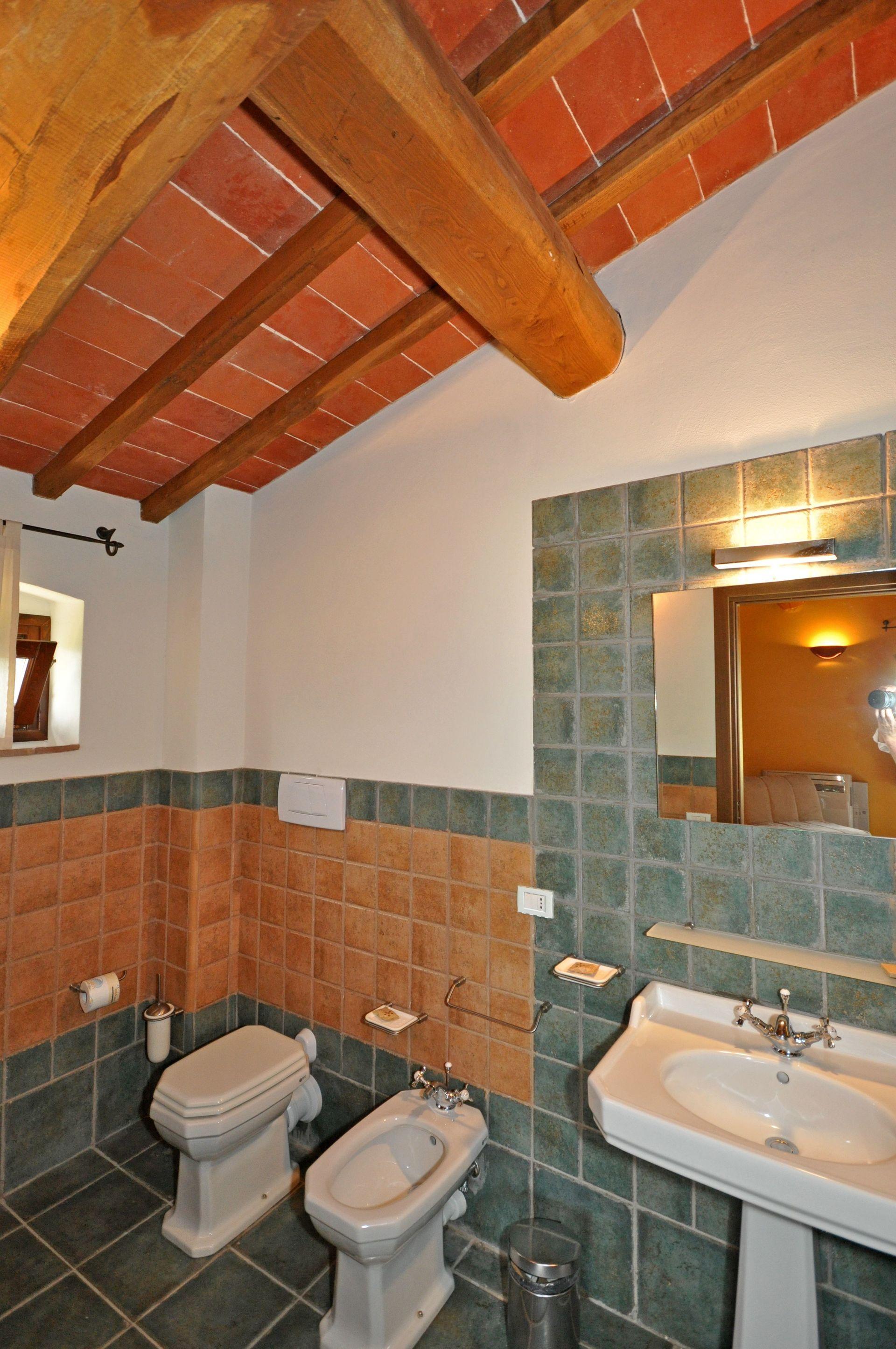Istrice posti letto 6 in 3 camere casa vacanza a for Branson cabin rentals 4 camere da letto