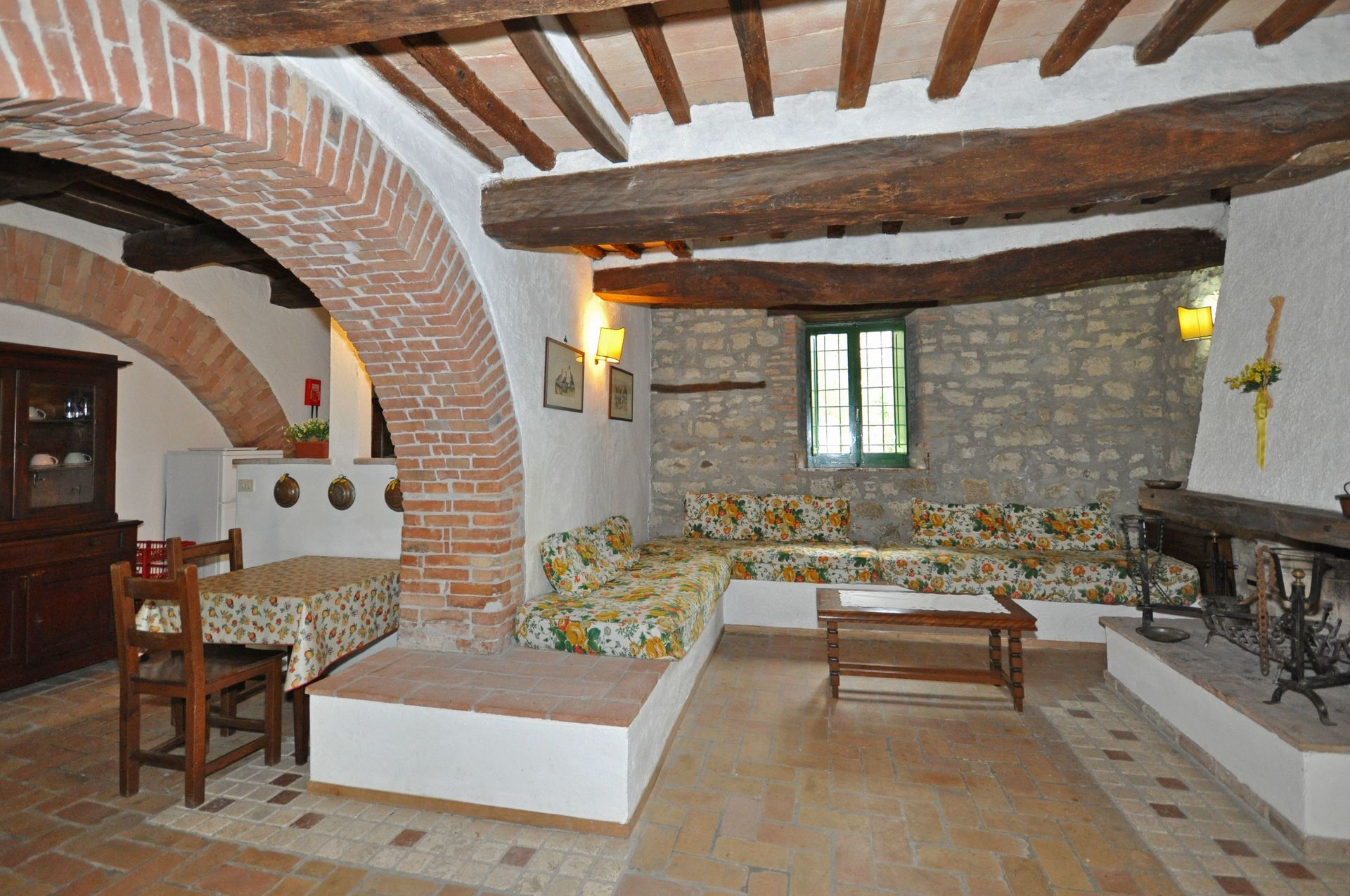 Properties Corciano kind of permit