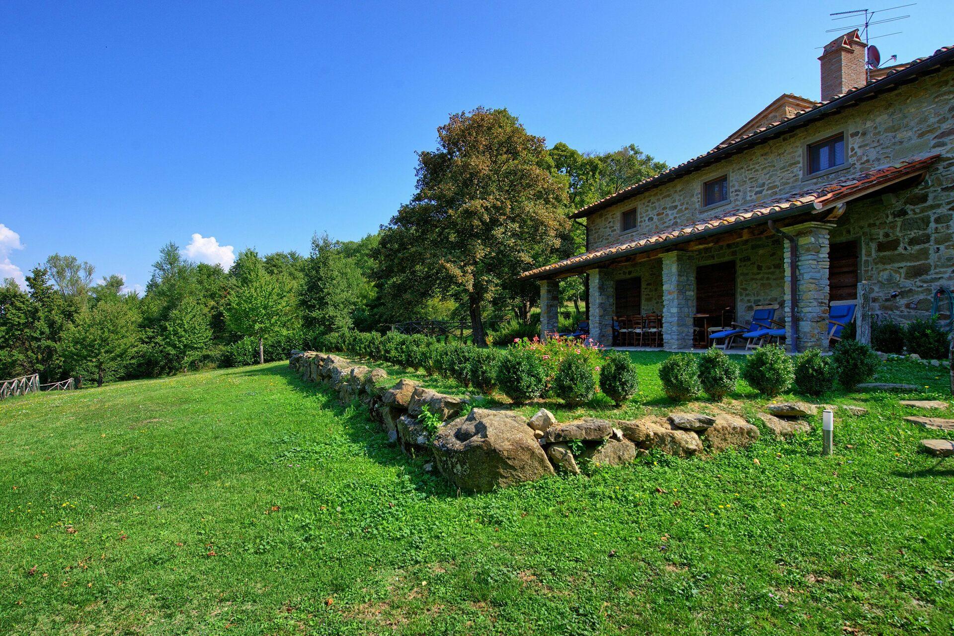 Villa cretole casa vacanze con 12 posti letto in 6 for Casa con 6 camere da letto in vendita vicino a me